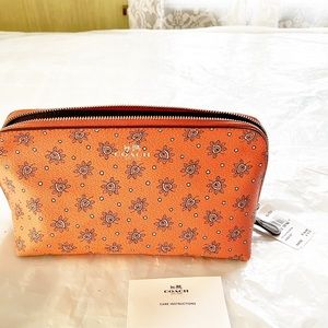 Coach pouch cosmetic